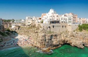 Polignano e Monopoli: Spiagge mozzafiato immerse nella storia