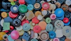 Come usare bottoni e strass per un giacchetto anni '80