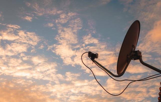Come ci si connette a Internet attraverso il satellite?
