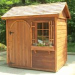 Sistemare il giardino per l'autunno con una bella casetta da giardino
